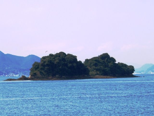 三ツ子島(北小島)