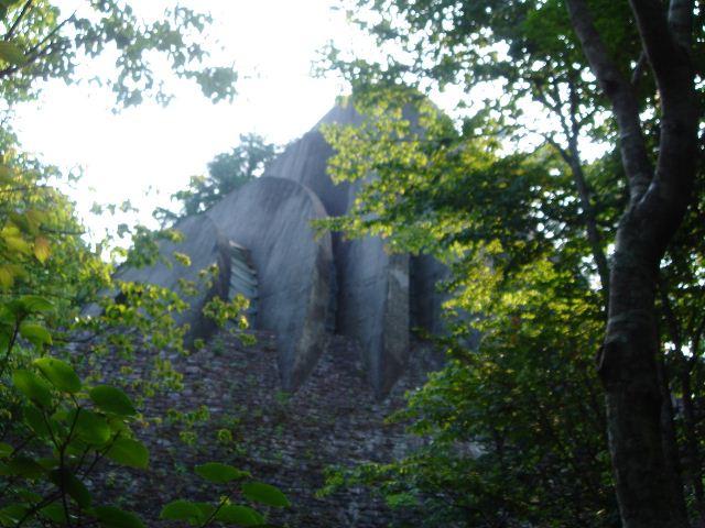 石の教会(側面)