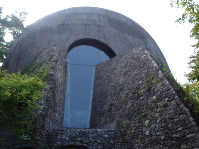 石の教会(裏側)