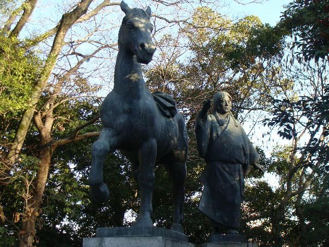高知城 千代銅像