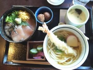 熊野の郷 うどんと海鮮丼のセット.jpg