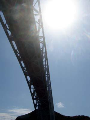 IMG_2929ー橋・下から.jpg