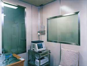北里研究所病院 臨床環境医学センタークリーンルーム.jpg
