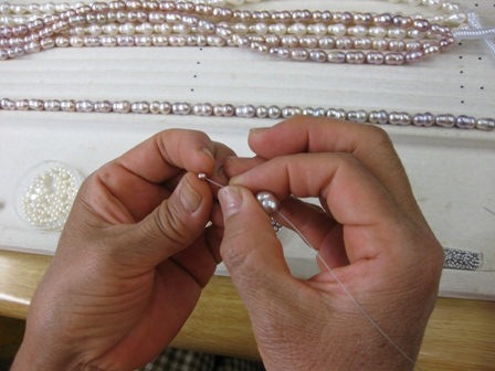オリジナルネックレス製作中