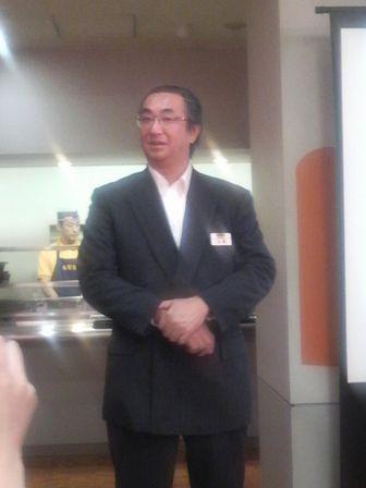 吉野家03(出射副社長).JPG