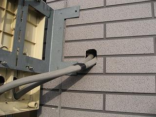 外壁の穴1