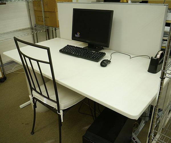 desk01jpg.jpg