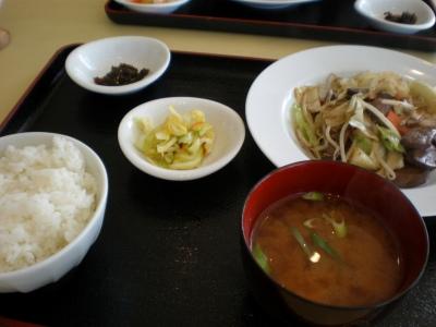 ラムレバー野菜定食 580円