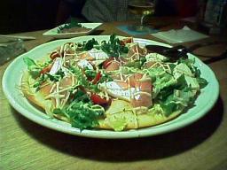 臣(omi)のピザ