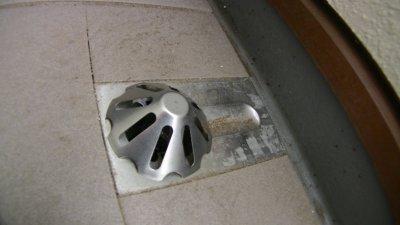 ベランダの排水カバー