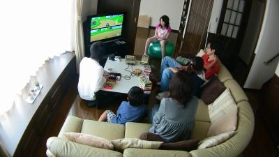 テレビゲームをする