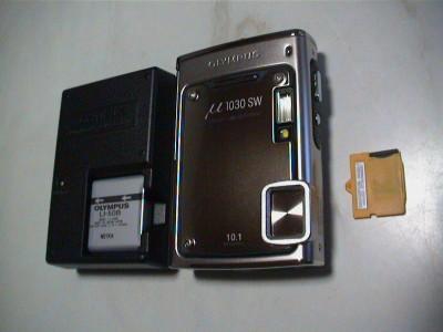 μ1030SWと充電器