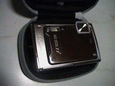 μ1030SWをデジカメケースに入れる