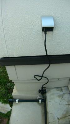屋外用の防雨型ショートタップ1mで接続