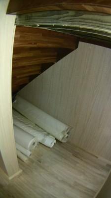 修正後の階段下収納