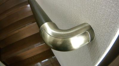 一条工務店の階段手すり追加(新しい先端)