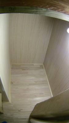 修正前の階段下収納