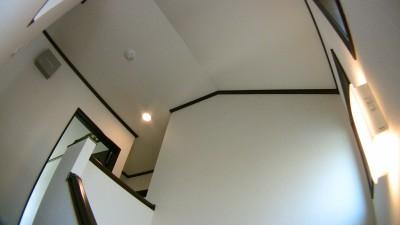 使用頻度が低い2階ホールの照明