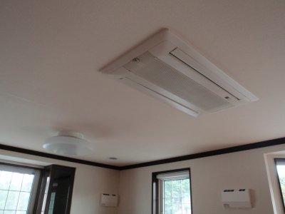 天井埋込エアコン