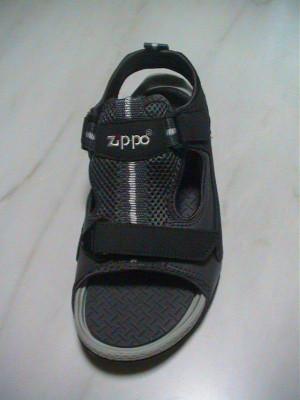 ZIPPOのサンダル