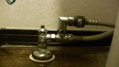 TOTOウォシュレットの分岐水栓