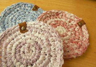 裂き編みコースター.jpg