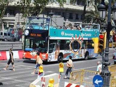 バルセロナの2階建て観光バス