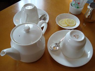 ルームサービス紅茶