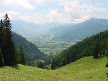 ハイジの里のハイキングコース 緑の道