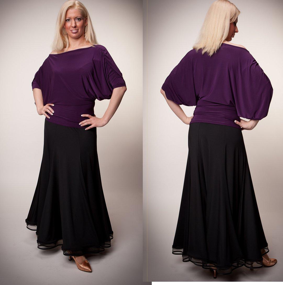 5e8221a76b44a 紫のカットソーと黒のシンプルなスカート(サンドラデザイン)