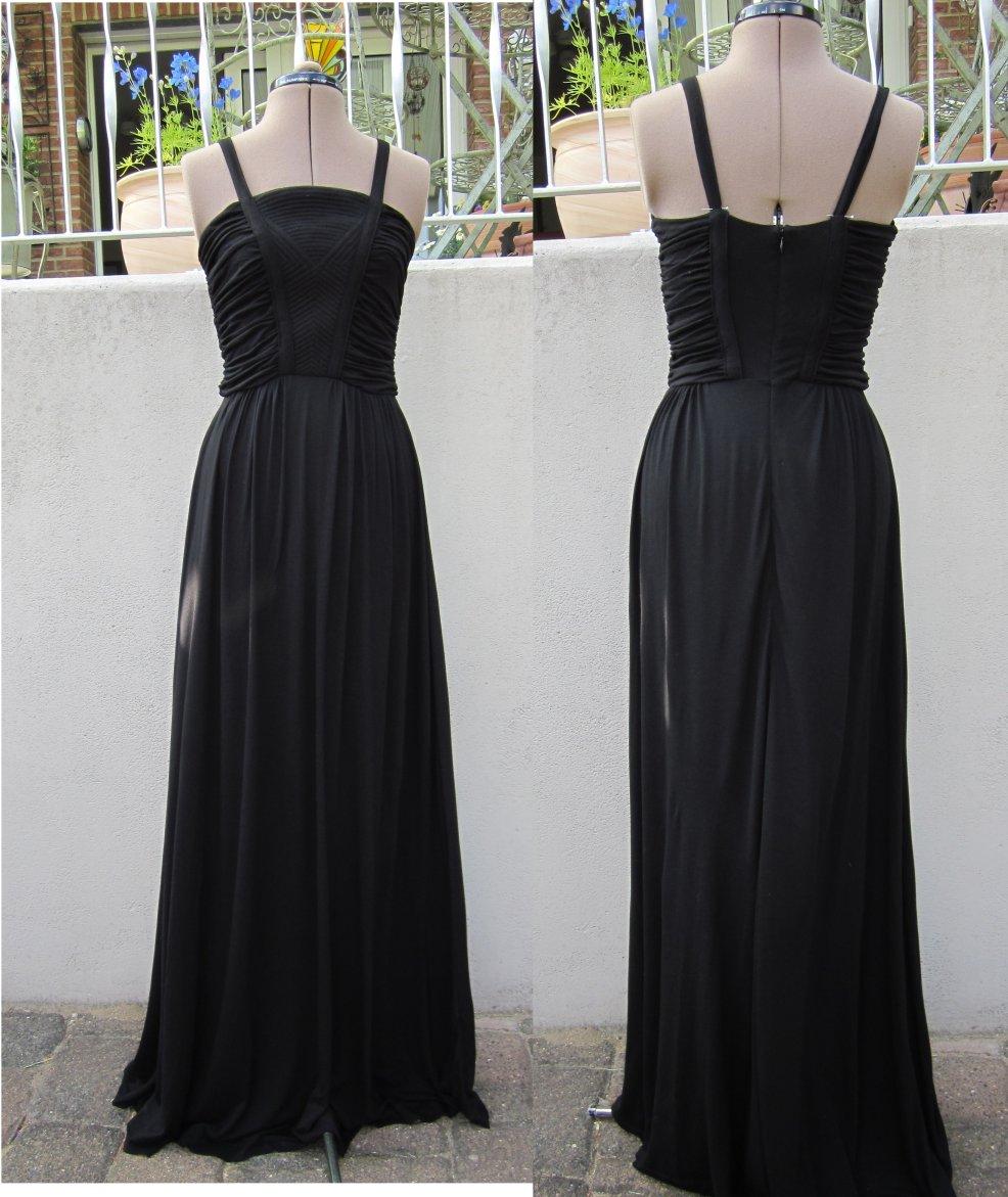 b24d5538650b5 ドレープ使いが美しい黒のパーティドレス
