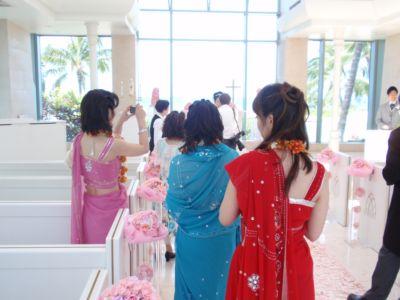 インドのサリーを着て結婚式へ!