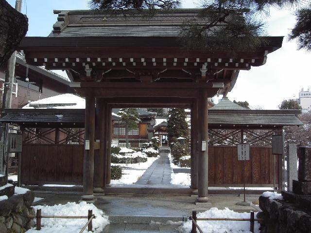 雪の清岩院山門.jpg