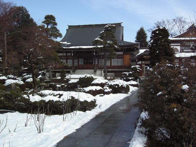 雪の清岩院本殿.jpg