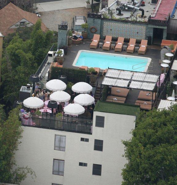 Victoria Beckham Baby Shower3.jpg