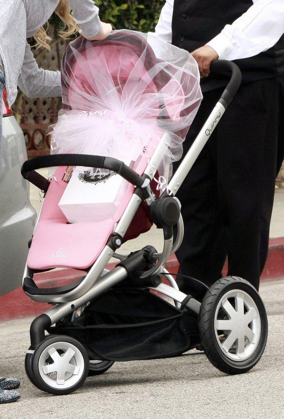 Victoria Beckham Baby Shower4.jpg