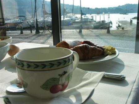 ホテルウェルカム、朝食