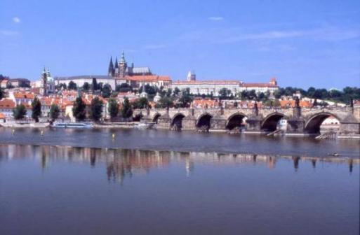 ブルタヴァ川とプラハ城