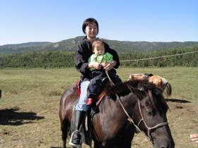 馬に乗る私と息子