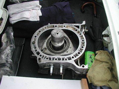 2010.3.21 『疾走する日本車』 at 福井県立美術館 023(ロータリーエンジンのハウジング)