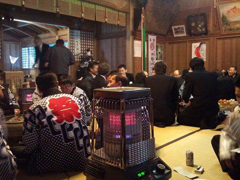 2012.01の画像01.08村のおこない1