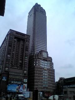 193駅から見る高いビル.JPG