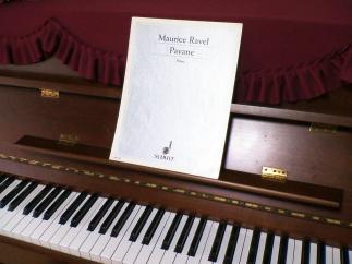 カワイピアノとラヴェルの楽譜