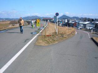 長良川左岸堤防道路