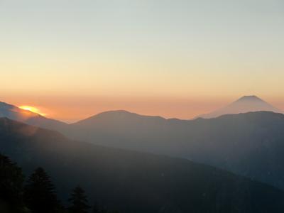 Photo1-110829_5_Tcyausurodge-sunrise