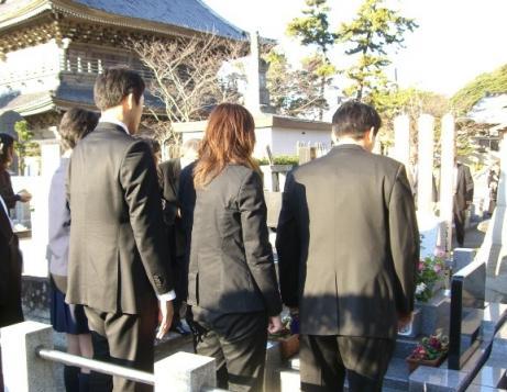 07-12-16一周忌お墓参り