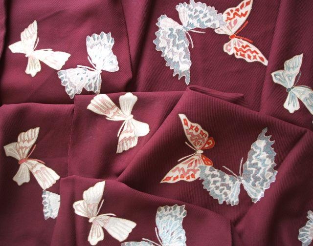蝶模様着物生地