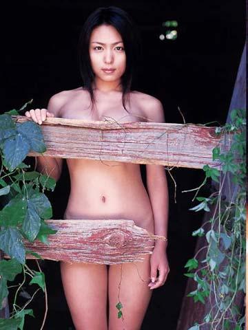 A○に転向の「K」と噂の川村ゆきえが写真集など同時2冊発売!撮影前の着替えを盗さつされていた