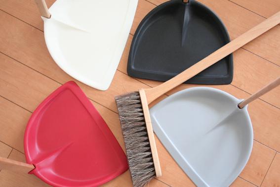 北欧スウェーデンのおしゃれ掃除道具ほうき&ちりとり3.jpg