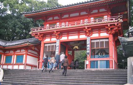 八坂神社参拝は私のリクエスト。